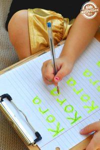 Escribe tu nombre sobre fosfi